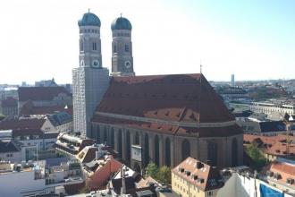 Frauenkirche vom Rathaustrum aus