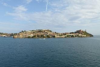 Elba - Autofähre - Aussicht Portoferraio 1