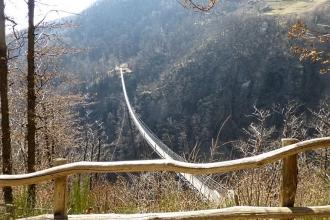 Tibetische-Brücke-Carasc