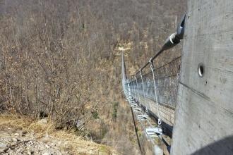Tibetische-Hängebrücke-Carasc-17