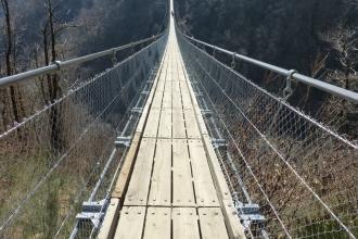 Tibetische-Hängebrücke-Carasc-6