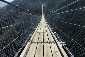 Tibetische_Hängebrücke_Carasc-