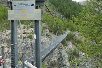 Hängebrücke-Furi-Seitenansicht