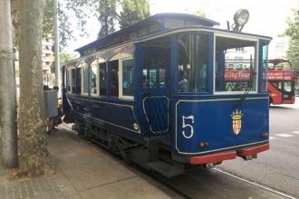Blaues-Tram-2