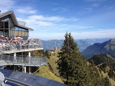 Bergrestaurant mit Terrasse auf dem Stanserhorn